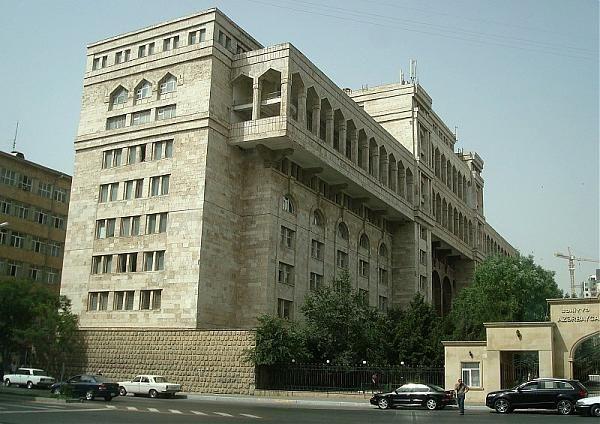شرایط تحصیل پزشکی در آذربایجان