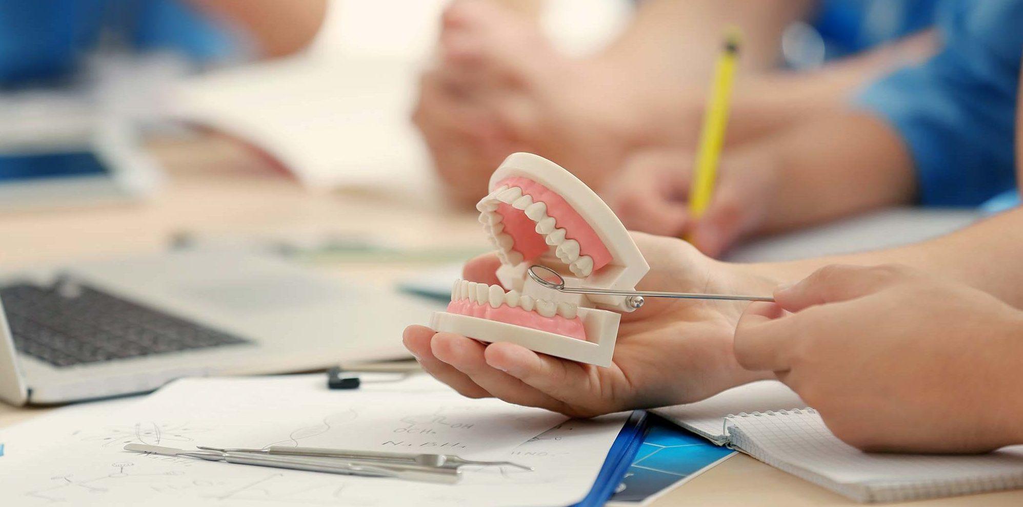 کار دندانپزشکی در ترکیه